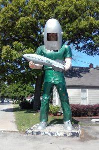 Muffler Man Spaceman on Route 66
