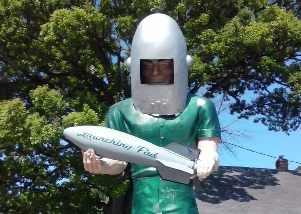 Muffler Man Spaceman on Route 66