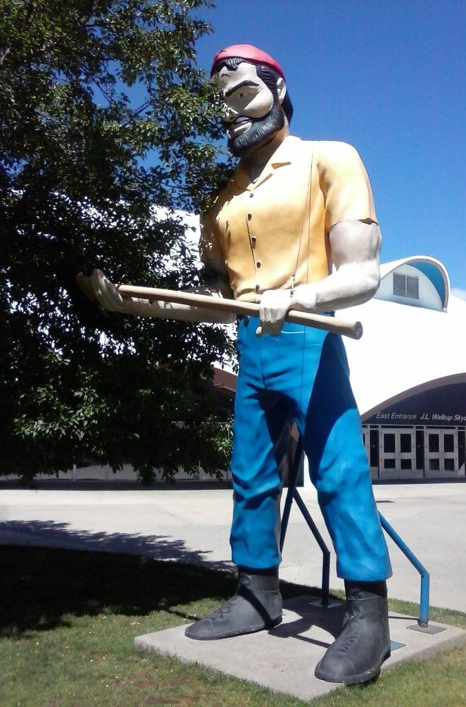 Fiberglass Giant Muffler Man on Route 66